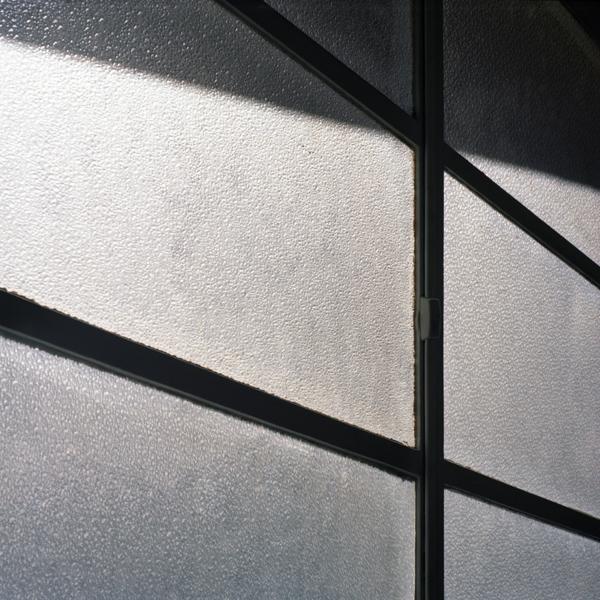 http://www.laurianethiriat.com/files/gimgs/8_lauriane-thiriat-2009-paris-2.jpg